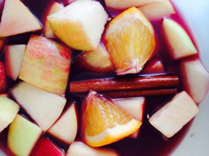 applie cider - sangria - holiday - cocktail